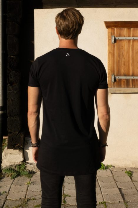 Iconic T-shirt black